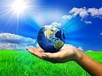 Вполне возможно помогать экологии, во-первых, без борьбы, во-вторых, без затрат времени, в-третьих, улучшая при этом своё здоровье. К тому же, с пользой для собственного кошелька